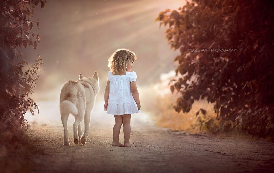 Удивительные фотографии детей и животных, сделанные фотографами со всего мира